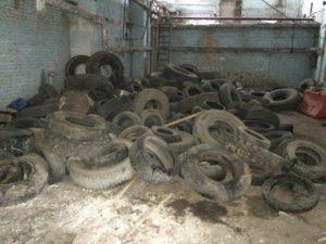 Утильные шины в гараже